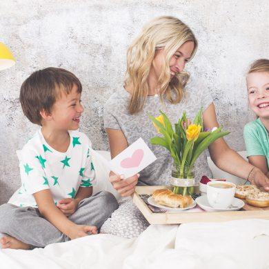Preparare i più piccoli alla festa della mamma